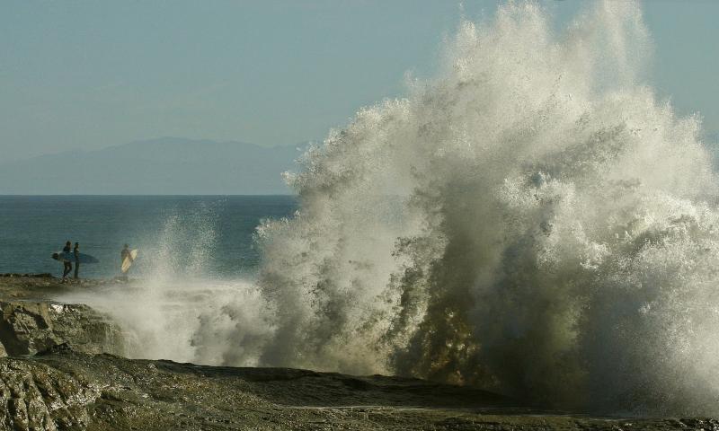 023_Wave splash_8586crop`0501311357.JPG