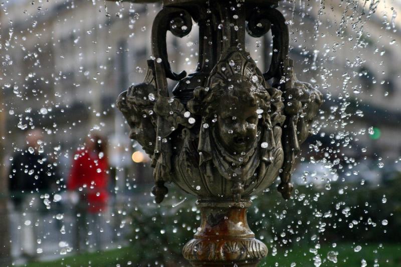 Fixed fountain