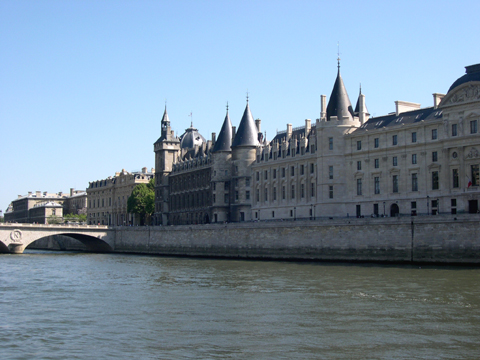 May 2003 -The seine and the Conciergerie