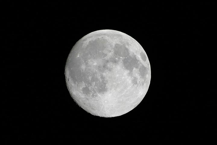 Moon 4-4-04.jpg