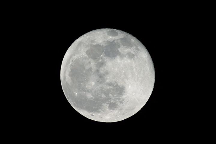 Moon 4-5-04.jpg
