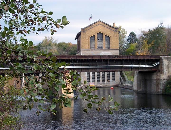 Barton Dam in fall