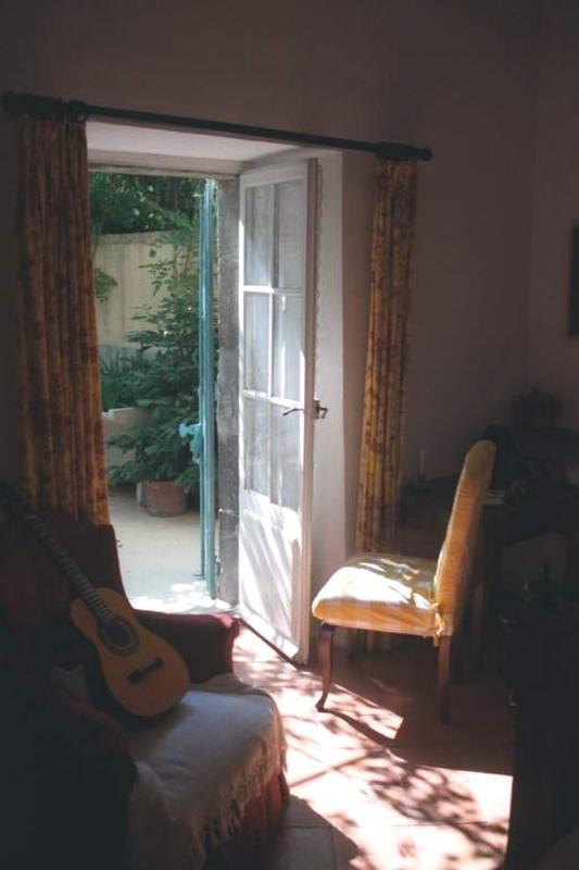 chair and door in Caunes-Minervois