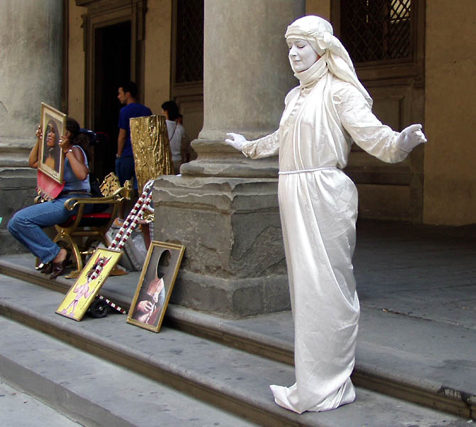 Living Statues In Florence