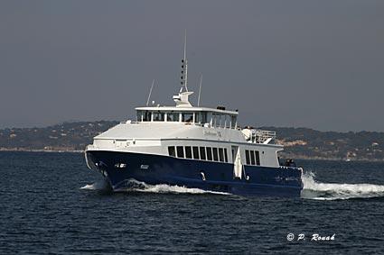 Le ferry Hyeres-Porquerolles - Quelques minutes pour sécarter du continent