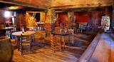 Saloon Interior 6087
