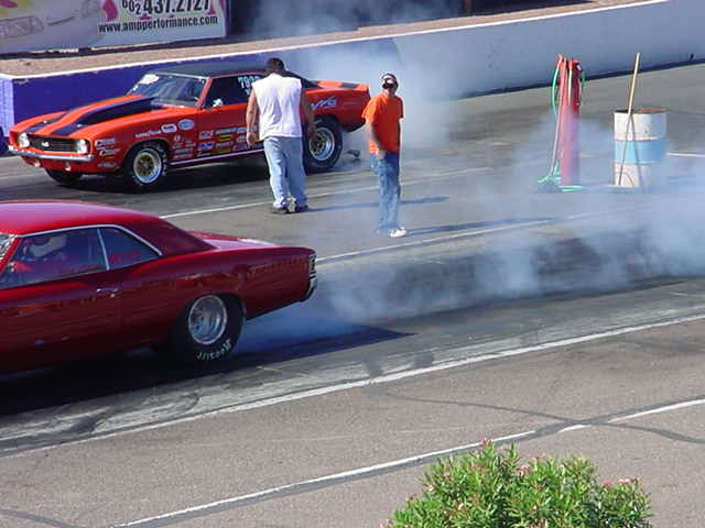 Chevelle and Camaro burnout