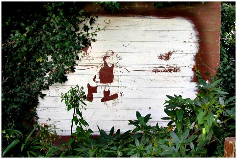 12 April 04 - Footrot Flats on a Wall