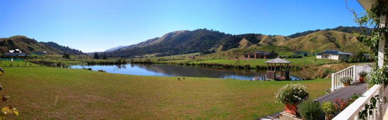 18a April 04 - Panorama of same pond.