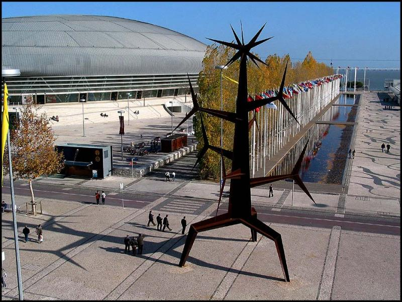 17.12.2004 ... Lisbon - In the Expo area ....