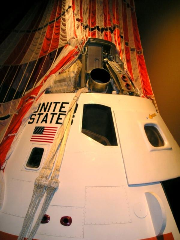 Command module at Cradle of Aviation Museum