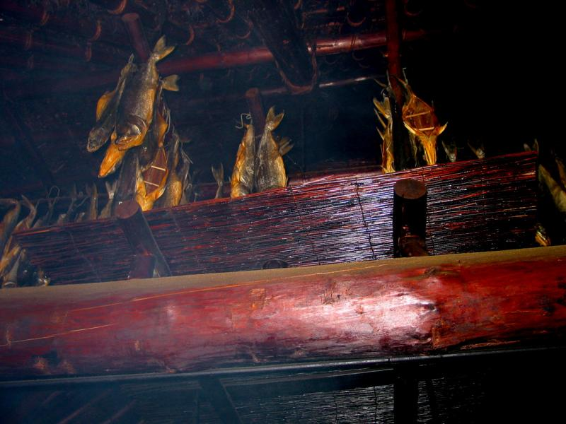 drying salmon._1185.jpg