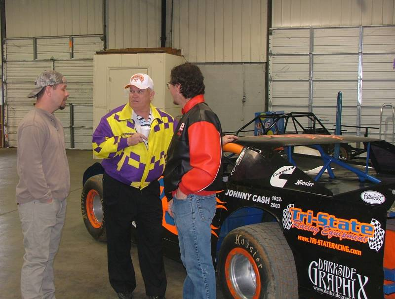 James Climer The King talking to Bubba and Dinky