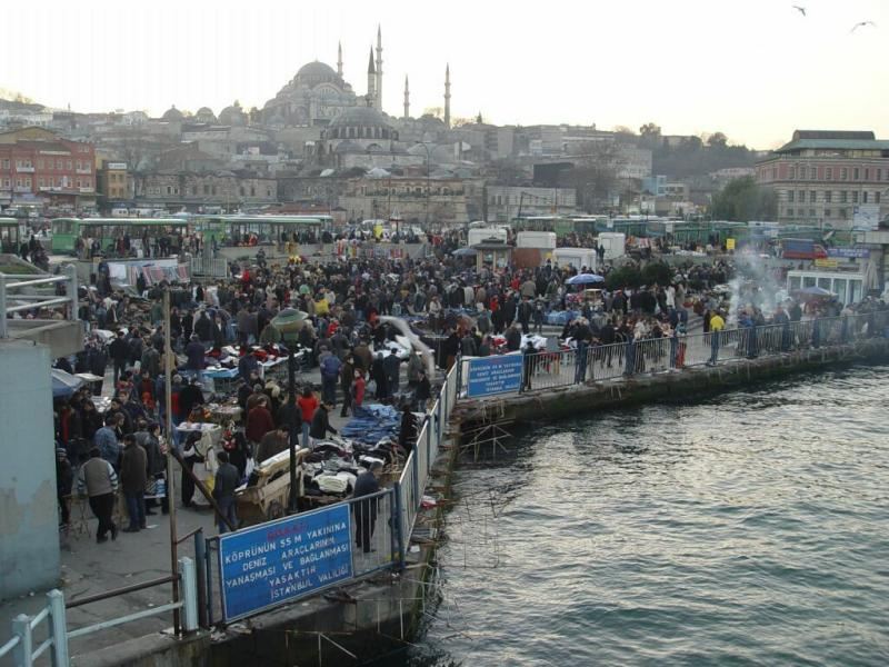 Istanbul open air market near Galata Bridge 2003 12 20
