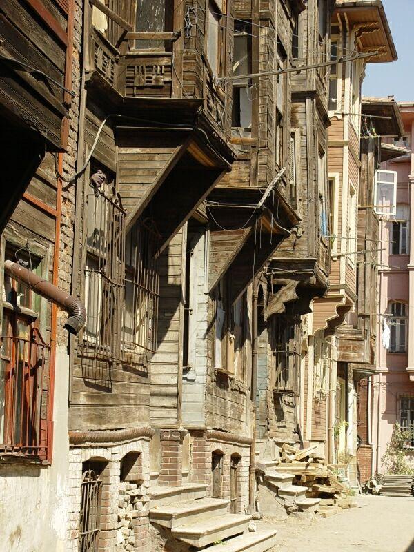 Istanbul walk near Süleyman Mosque