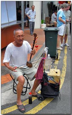 Street music, Chinatown