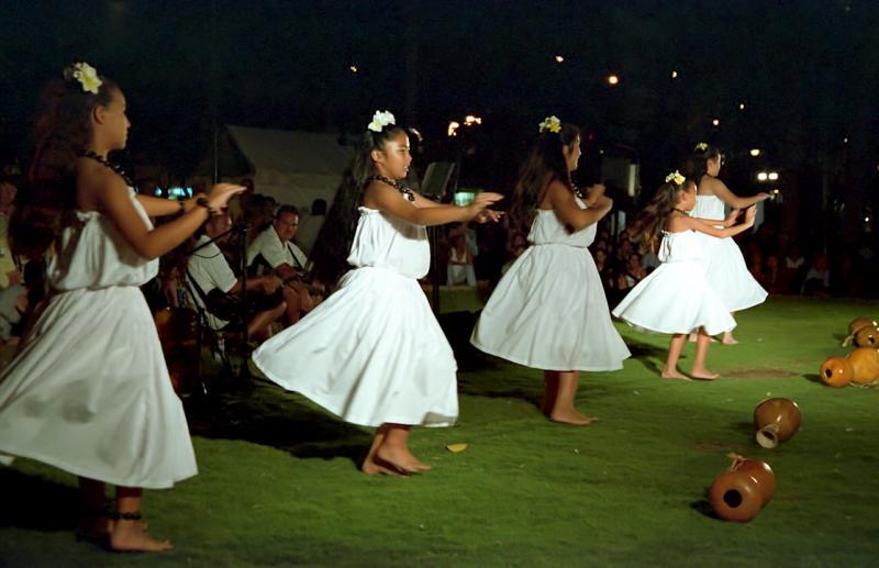 12-30-Traditional Hula