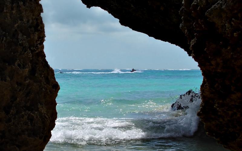 Alivila Beach scene