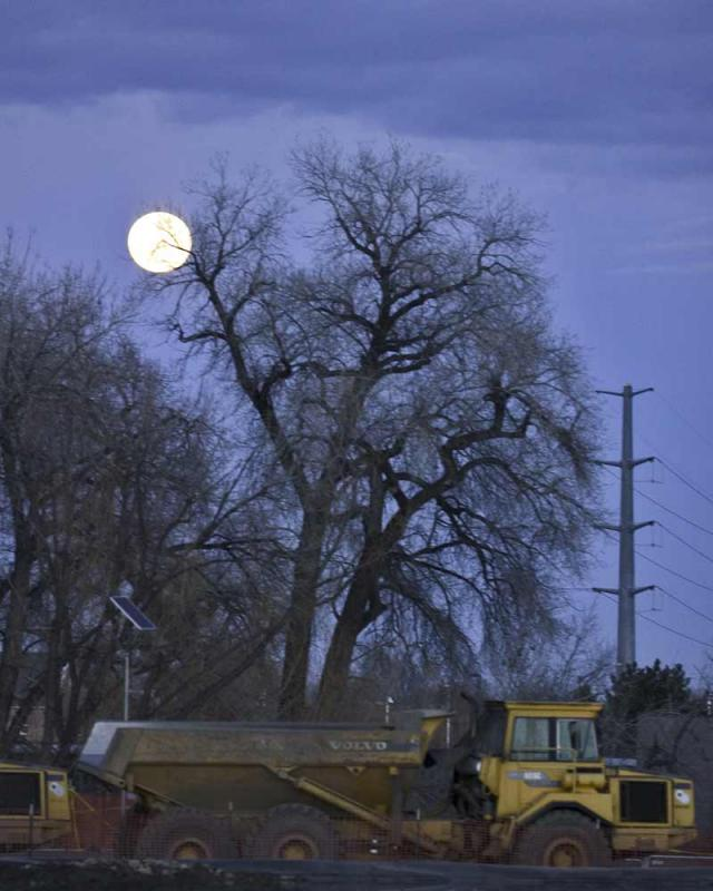 Moon2_3895.jpg