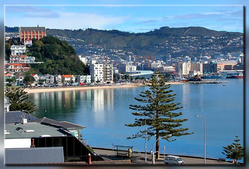 29 April 04 - Oriental Bay, Wellington
