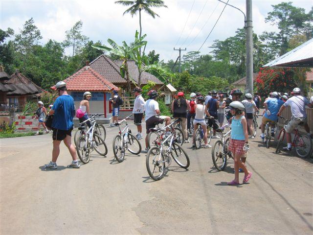 Bali forum group pit stop