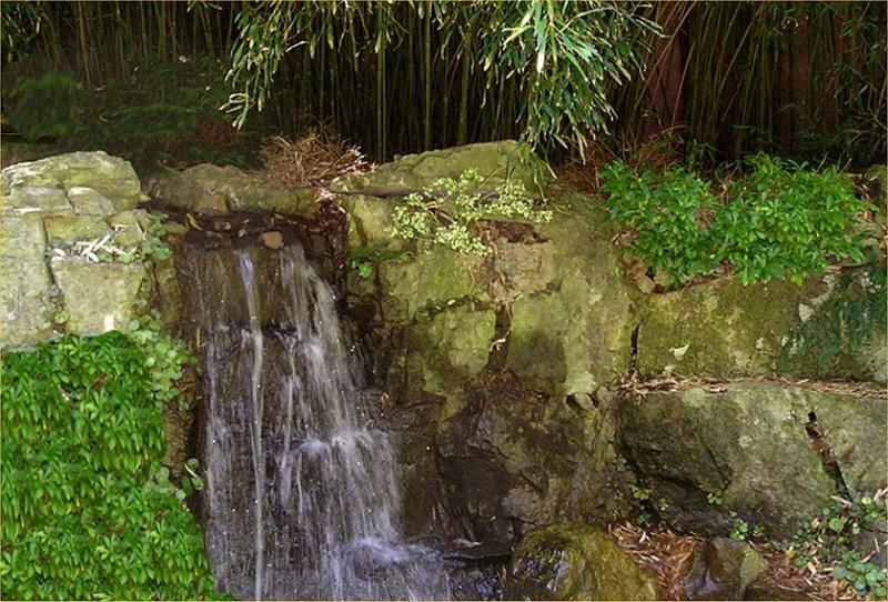 Hume waterfall