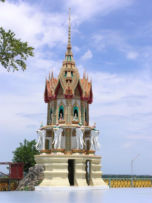 Wat Tum Seu on the Meklong Dam, Bell Tower