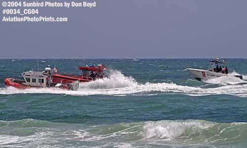 2004 - Coast Guard boats at the Air & Sea Show, Coast Guard stock photo #0034