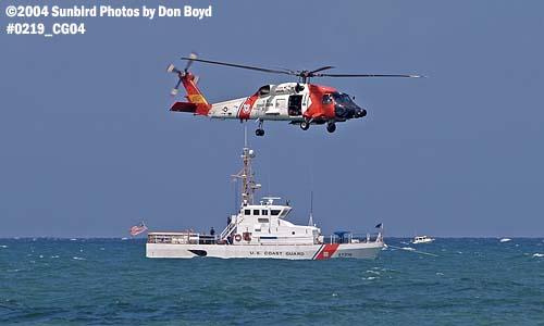 2004 - Coast Guard HH-60J Jayhawk #6025 and CGC BLUEFIN (WPB 87318) Air & Sea Show - Coast Guard and aviation stock photo #0219