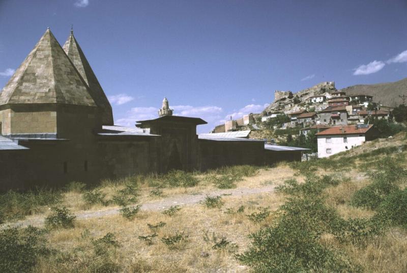 Divrigi Ulu Mosque with castleb