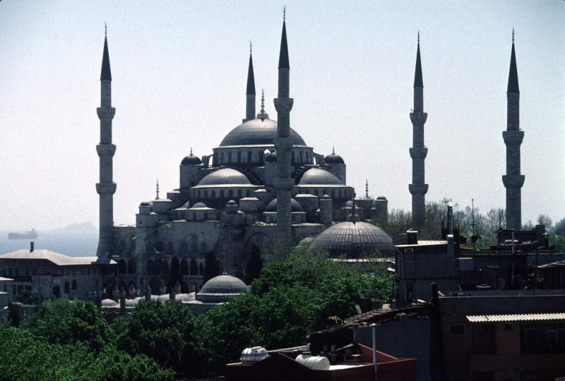 Istanbul Blue Mosque wide 1