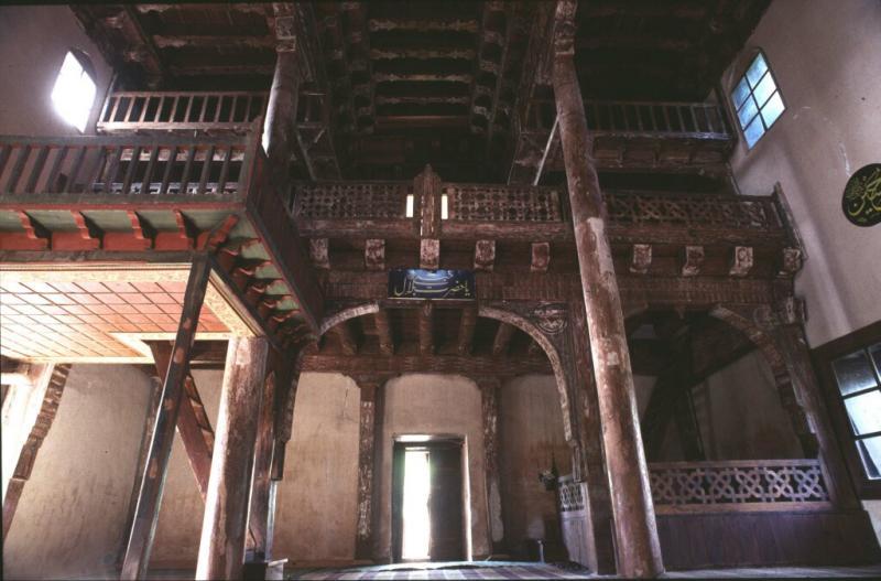 Kasaba mosque interior 0.jpg