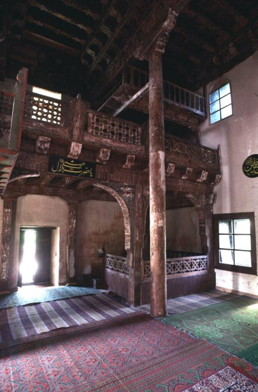 Kasaba mosque interior 2.jpg