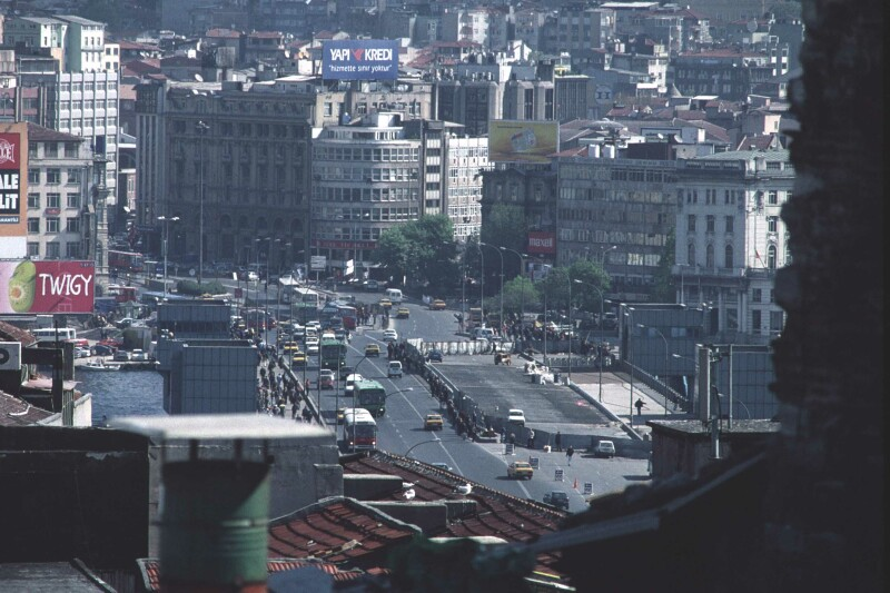 Istanbul Galata Bridge medium 1