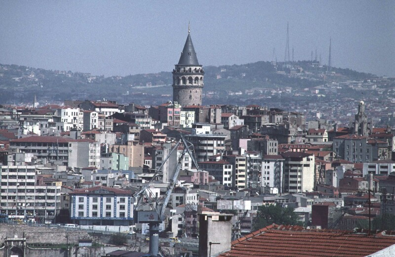 Istanbul Galata Tower medium tele 1