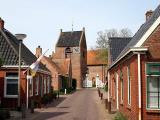 Ezinge - Kerk en straat