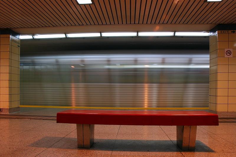 Arriving subway train.jpg