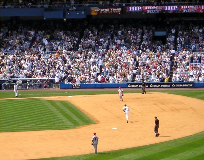 Bernie Williams home run