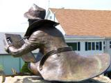 gloucester a not so famous statue.jpg