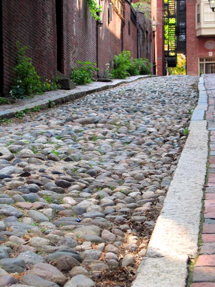 old cobblestone street in Beacon Hill.jpg