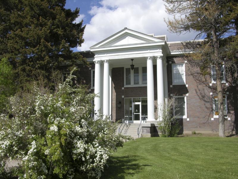 Colonial Hall ISU DSCN2434.jpg