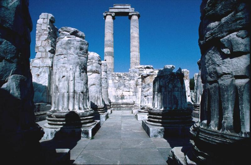 Dydima Apollo temple interior 1
