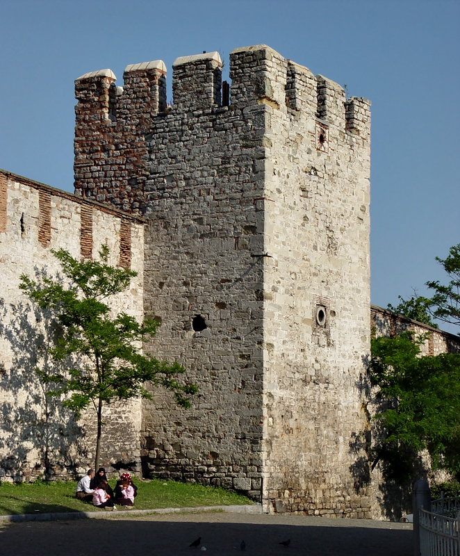 Outer tower