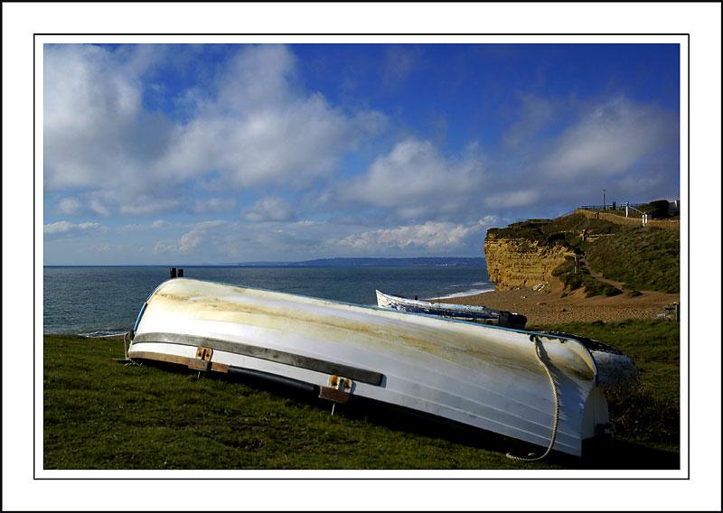 White boat, Hive beach