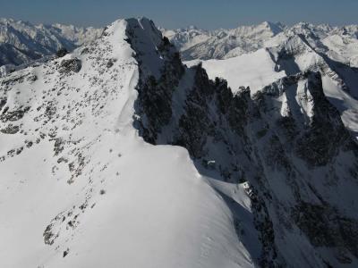 Gibbs E Ridge <br>(Gibbs-Pt8142-021505-10adj.jpg)