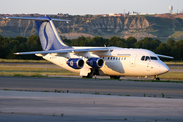 SN Brussels Airlines Avro RJ85 at  Barajas (Madrid)