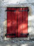 Volet Rouge - St Geniez