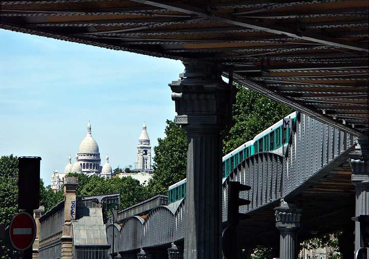 Metro Line 2 near the Sacre Coeur