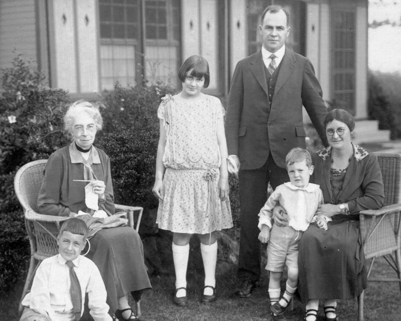 William, Emma, Elizabeth, Royal, Henry, & Josephine Fisher, 1927
