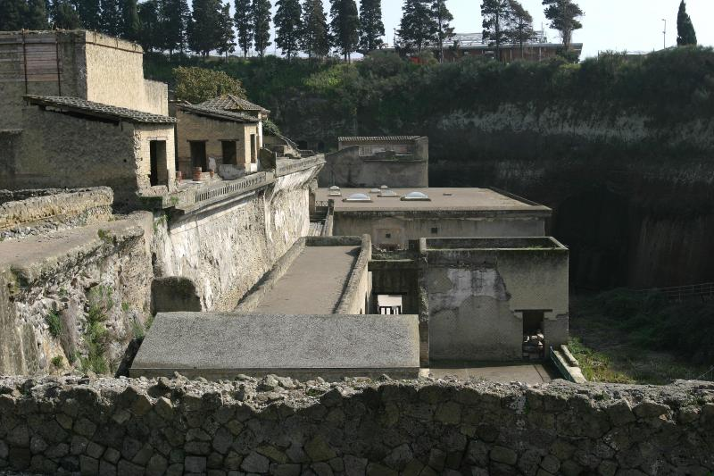 This house was on the beach 2000 years ago. I believe the new Herculaneum is 60 higher than the original.